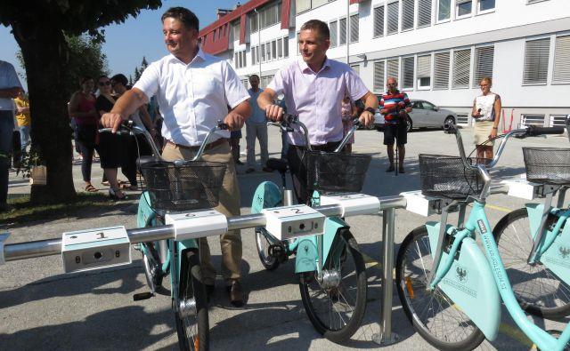 Električna kolesa so evropski prodajni in uporabni hit. Foto Blaž Račič
