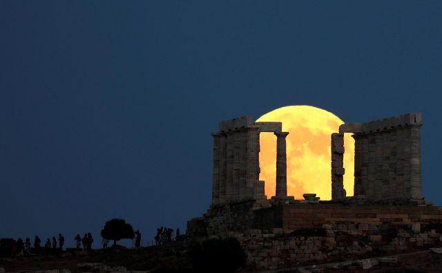 Le optimisti mislijo, da bo v tradicionalno nestabilni Grčiji že kmalu konec pretresov. FOTO: Alkis Konstantinidis/Reuters