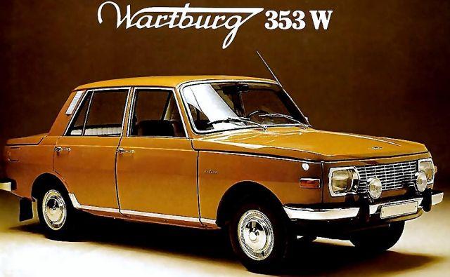 Wartburg 353 je, čeprav škatlaste oblike in tehnično zastarel, v svojem času spadal med imenitnejša prevozna sredstva realsocialistične tovarišije delavcev in kmetov. FOTO: Wartburg