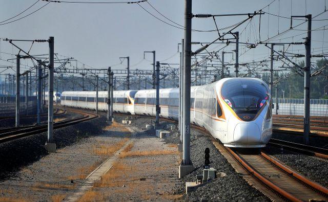Bodo res čez dvanajst let, kot načrtujejo v Pekingu, kitajski hitri vlaki vozili do Tajvana po najdaljšem podmorskem predoru? FOTO: Reuters