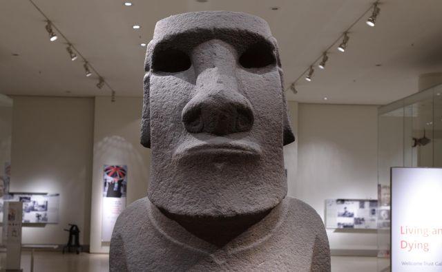 Kip <em>Hoa Hakananai'a</em> v Britanskem muzeju velja za enega izmed največkrat fotografiranih eksponatov. FOTO: Wikipedija