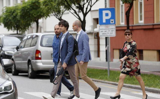 Na vprašanje, ali rezultat že pomeni, da bo Levica podprla Marjana Šarca za mandatarja, je Siter odvrnil, da ne. FOTO: Leon Vidic