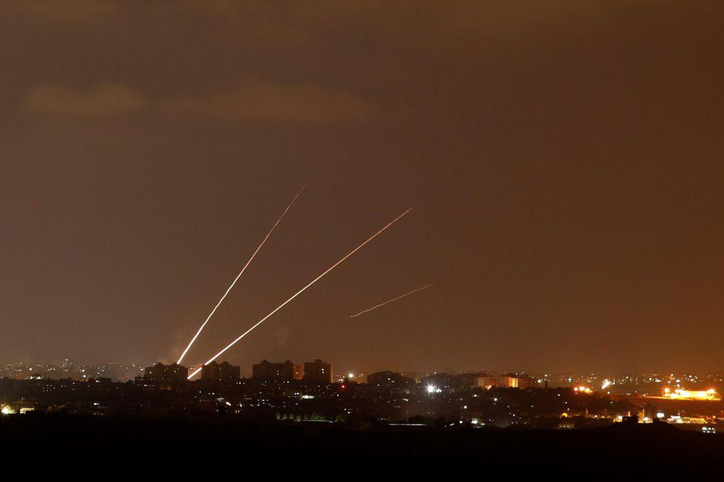 V Gazi novi spopadi med Izraelci in Palestinci zahtevali žrtve