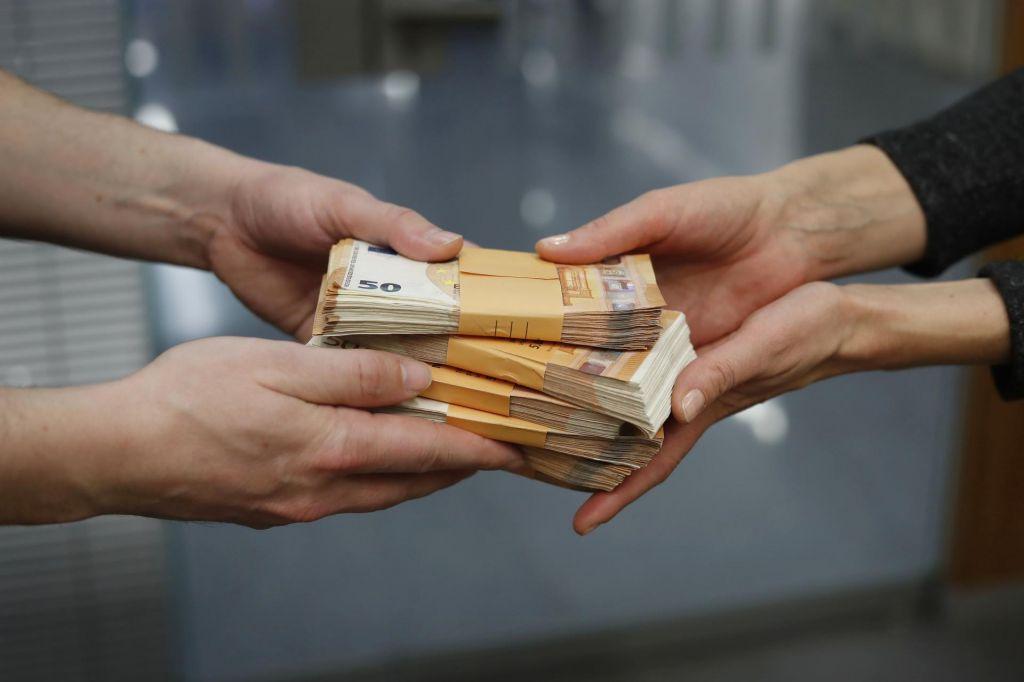FOTO:Banke so v gospodinjstvih našle privlačno tržno nišo