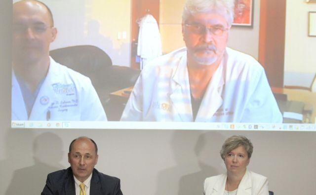 Kirurga Jorg Salazar in Igor Gregorič vidita NIOSB kot edino dobro možnost za reševanje na srcu obolelih otrok v Sloveniji. FOTO: Roman Šipić/Delo