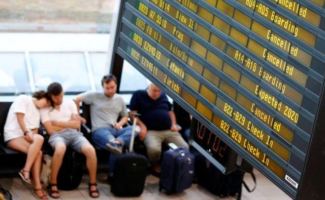 Stavka pilotov irskega nizkocenovnega letalskega prevoznika Ryanair v Nemčiji, Belgiji, na Irskem in Švedskem je v polnem teku in povzroča težave v letalskem prometu na stari celini.FOTO: Fabrizio Bensch/Reuters