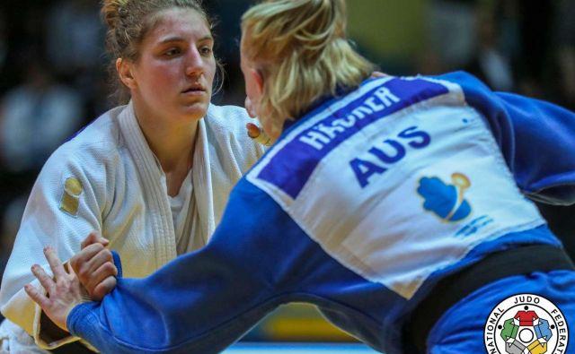 Andreja Leški (levo) je le v polfinalu priznala premoč tekmice, poznejše zmagovalke. FOTO: IJF