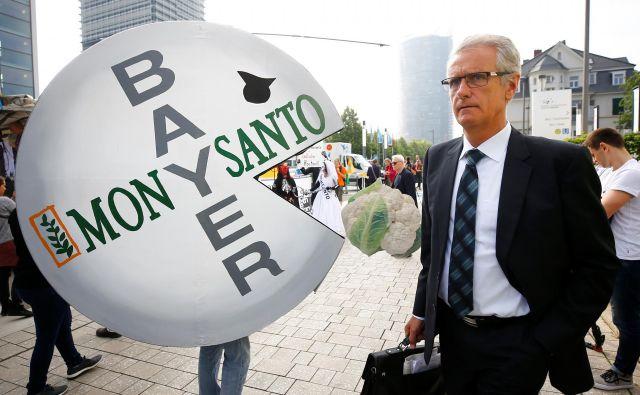 Monsanto zavrača trditve, da glifosat povzroča raka. FOTO: Wolfgang Rattay/Reuters