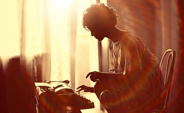Tukaj še boleča točka današnjega časa – osamljenost. FOTO: Shutterstock