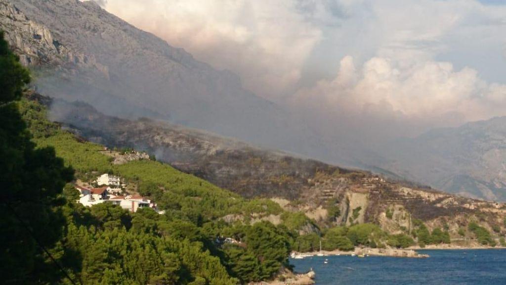 FOTO:V Srednji Dalmaciji divja požar