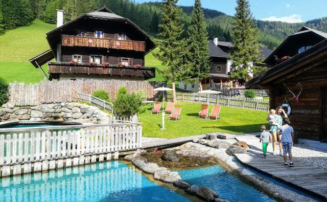 Družinsko počitniško naselje Kirchleitn v vasici St. Oswald nad Bad Kleinkirchheimom Foto Mitja Felc