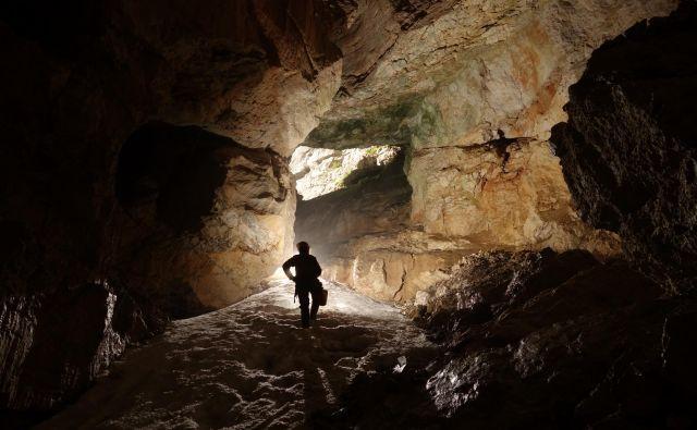 V jami Primadona. FOTO: Jamarska Sekcija Planinskega Društva Tolmin.