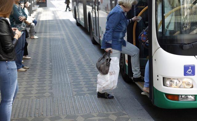 Projekt ureditve avtobusnih postajališč sofinancira tudi Evropski kohezijski sklad. FOTO: Leon Vidic/Delo