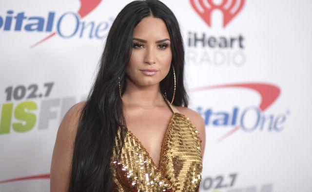 Pevka se znova zdravi zaradi odvisnosti FOTO: AP