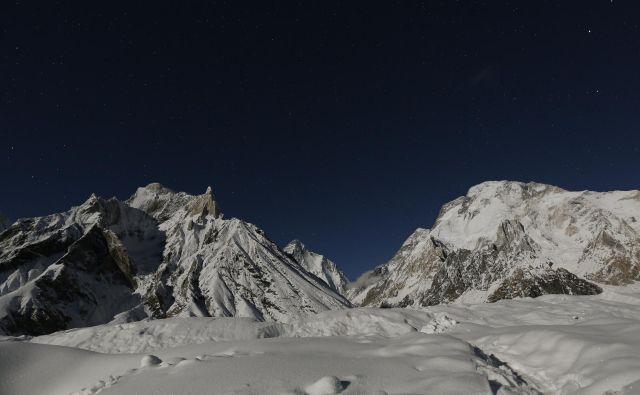 Trojici je uspelo osvojiti sveti gral alpinizma in brez dvoma zdaj največjo lovoriko v visokogorskem plezanju. FOTO: Wolfgang Rattay/Reuters