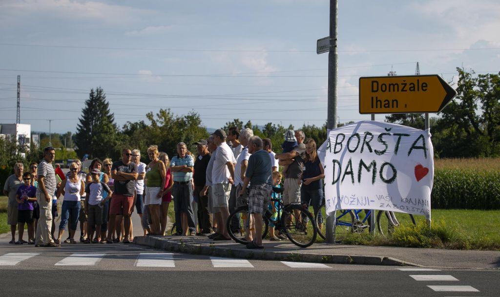 FOTO:Krajani v Zaborštu proti pozidavi