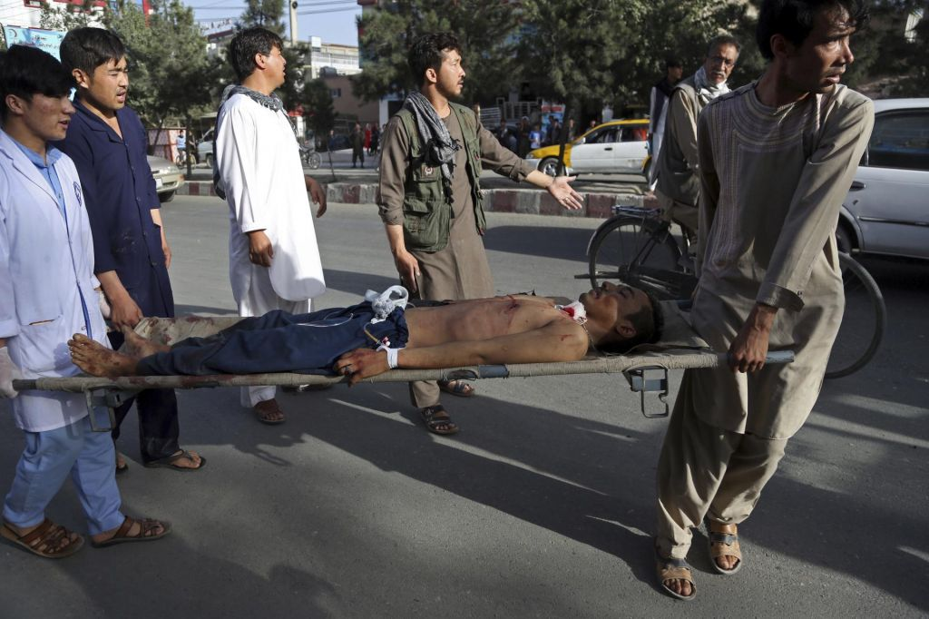 FOTO:V samomorilskem napadu skoraj 50 mrtvih (FOTO)