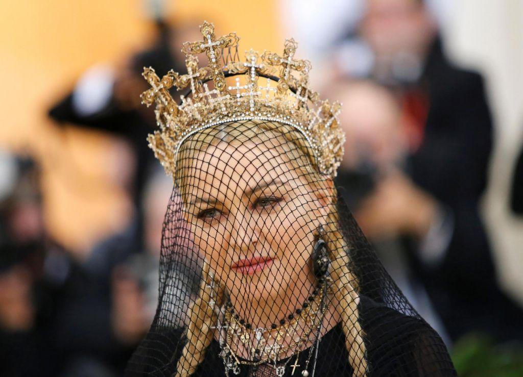 FOTO:Kraljica popa, osvoboditeljica ženstvenosti