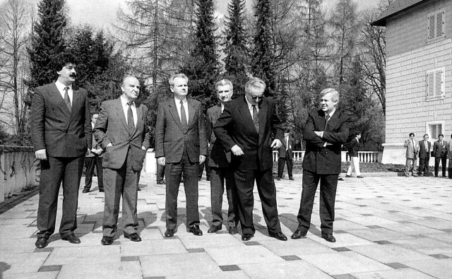 Srečanje predsednikov jugoslovanskih republik na Brdu pri Kranju, 11.4.1991 FOTO: Tone Stojko