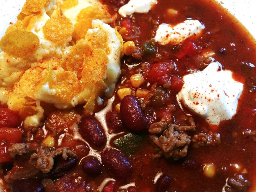 FOTO:Poletov recept: čili con carne s koruznimi kosmiči