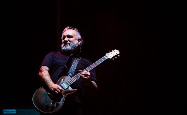 Boban Milunović je tudi kitarist skupine Stray Train. Foto Marko Alpner