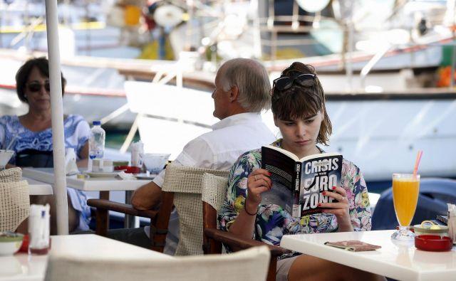 Na Kastelorizu, najbolj vzhodnem grškem otoku, kjer je posneta ta fotografija, je leta 2010 takratni grški premier Jorgos Papandreu razglasil, da Grčija potrebuje pomoč. Helenska republika in nekatere druge države ter finančne ustanove so v krizo pahnile tudi območje evra. Foto Reuters