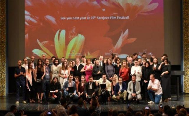 Nagrajenci letošnjega sarajevskega filmskega festivalu na odru Narodnega gledališča FOTO: SFF