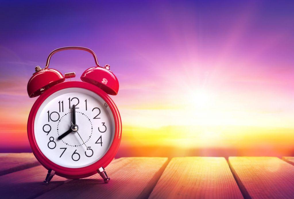 Evropejci izrazili mnenje o premikanju ure, sledi analiza