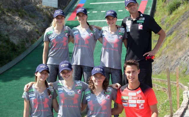 Slovenske reprezentantke na treningu v Kranju. FOTO: Mavric Pivk/Delo