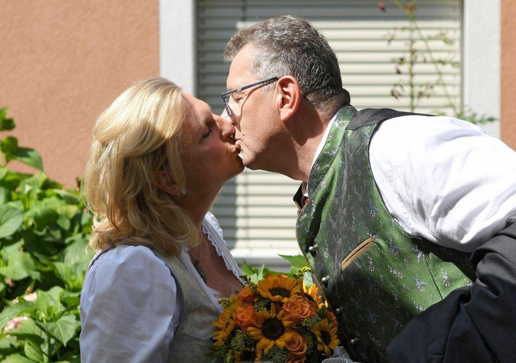 FOTO:Avstrijski ministrici srečo v zakonu zaželel tudi Vladimir Putin