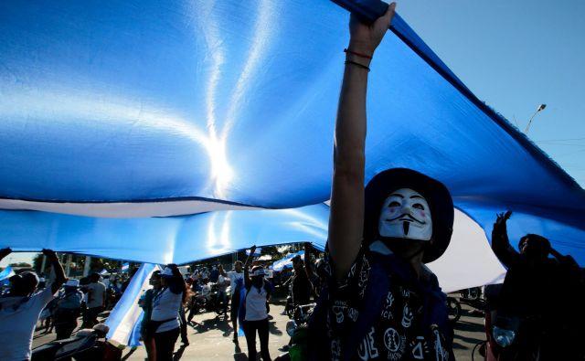 V Managui potekajo protesti proti vladi predsednika Nikaragve Daniela Ortege.Foto Oswaldo Rivas Reuters