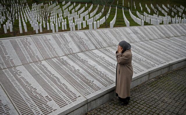 Tragična Srebrenica je postala glavna predvolilna tema. FOTO: Reuters