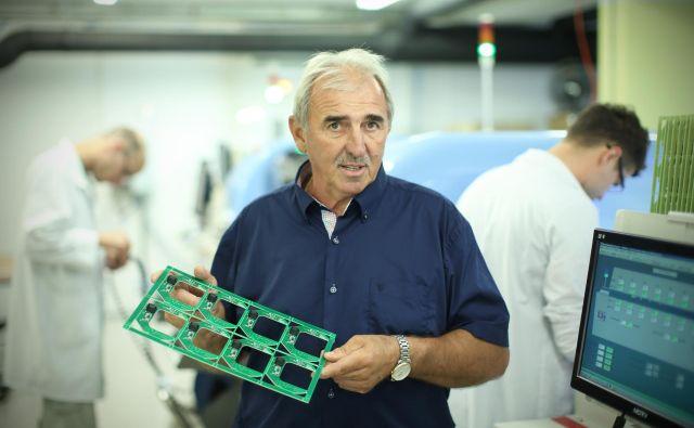 Direktor MI Elektronike Ignac Mertik pravi, da imajo zaposleni praktično 15 plač. FOTO: Jure Eržen/Delo