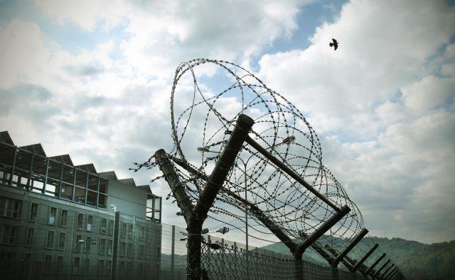Motiv iz zaporov na Dobu pri Mirni 14.aprila 2014. Foto Jure Eržen/delo