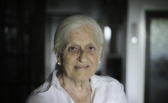 Marija Tul iz Lucije je bila zaposlena v kemijskem laboratoriju za analize surovin pri Drogi. Kar 36 let je bila odgovorna za kakovost kave. FOTO: Jože Suhadolnik/Delo