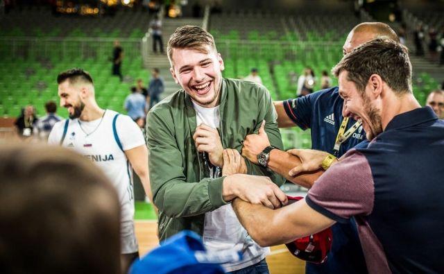 Z Luko Dončićem in Goranom Dragićem zgolj na tribuni je marsikaj težje. FOTO: FIBA