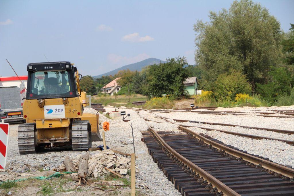 FOTO:Letos še ne bo možna vožnja z vlakom iz Kočevja v Ljubljano