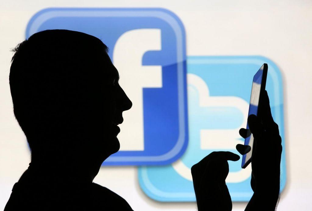 Twitter in Facebook umaknila zavajajoče profile