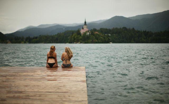 Morda je danes eden zadnjih res toplih dni te sezone, pohitimo na jezero. FOTO: Jure Eržen