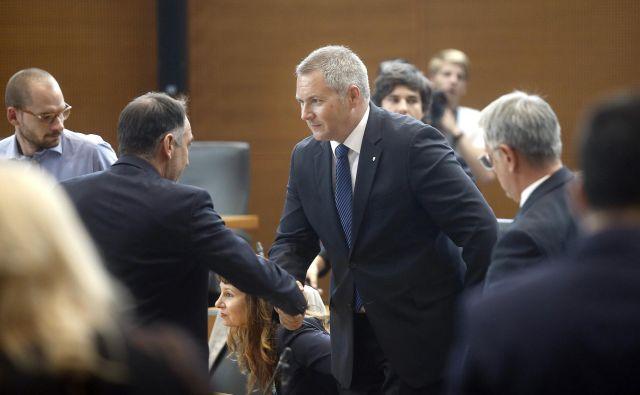 Čestitke ob izvolitvi novega predsednika DZ Dejana Židana. FOTO: Bla�ž Samec