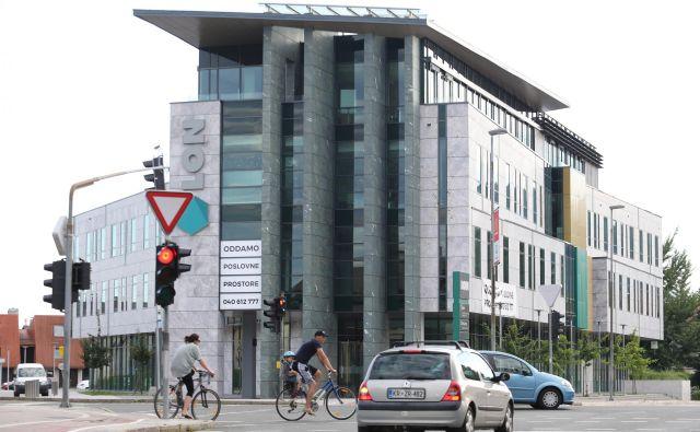 Kylin je v obvestilu Lonu zapisal, da so med prodajalci tudi lastniki, ki jim je Banka Slovenije odvzela glasovalne pravice. Foto Tomi Lombar