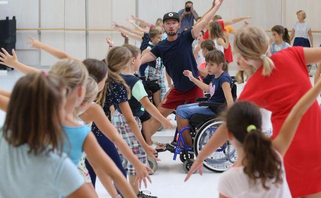 Pri predstavi <em>Predani korakom</em> drugič sodeluje koreograf Miha Podrepšek. FOTO: Tomi Lombar