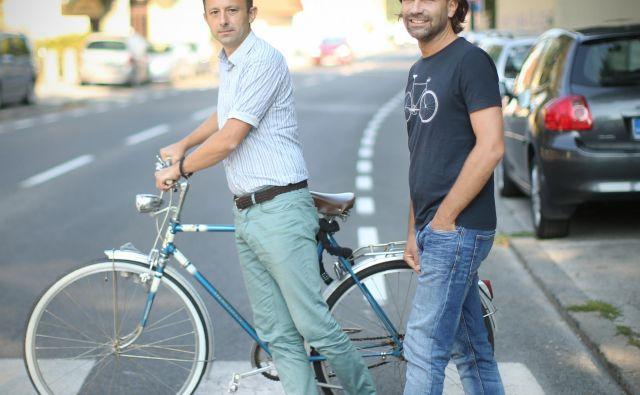 Matevž Frančič (levo) in Marko Peterlin sta člana iniciative Uredimo Vodnikovo. FOTO: Jure Eržen