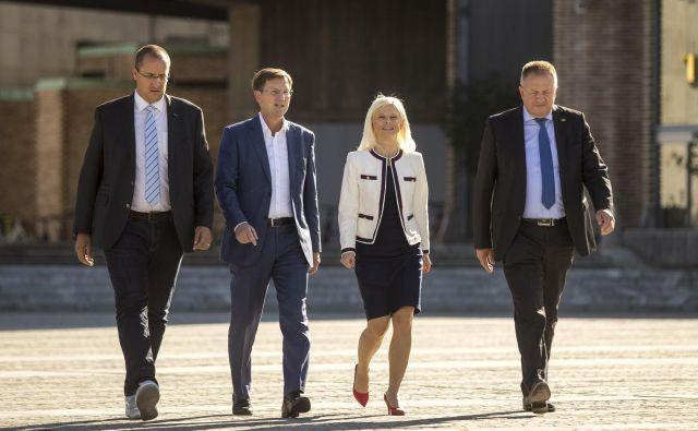Predlagani ministri SMC Jure Leben, Miro Cerar, Ksenija Klampfer in Zdravko Počivalšek FOTO: Voranc Vogel