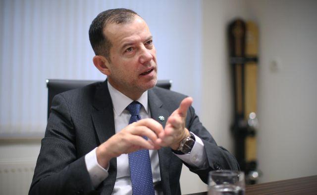 »Dolg do bank znaša približno milijon evrov,« je poudaril predsednik SZS Enzo Smrekar. FOTO: Jure Eržen/Delo