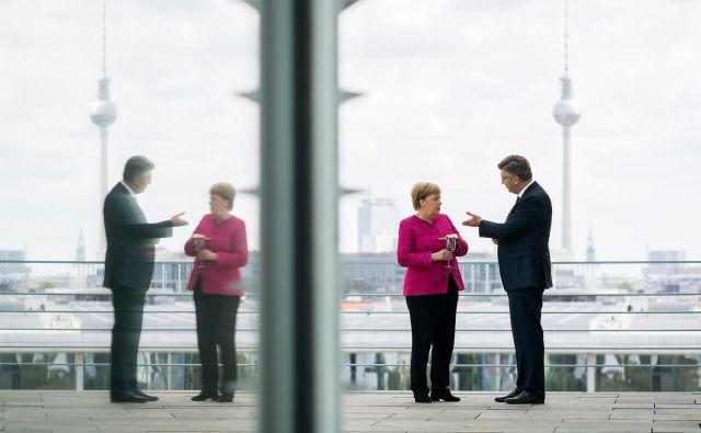 Hrvaška ima podporo Nemčije pri stališču, da je spor o meji s Slovenijo dvostransko vprašanje, in ne vprašanje Evropske unije, poroča danes <em>Večernji list</em> po torkovem srečanju nemške kanclerke Angele Merkel in hrvaškega premiera Andreja Plenkovića v Berlinu. FOTO: Reuters