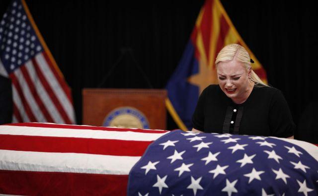 Meghan McCain je večkrat planila v jok FOTO: AFP