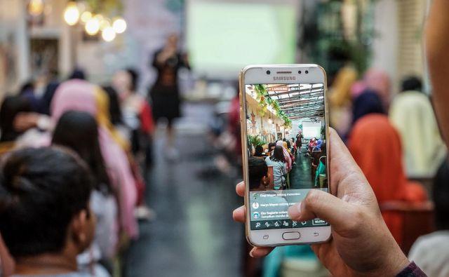 Tehnološki gigant iz Silicijeve doline je pred zahtevno nalogo, saj watch v prvem letu v ZDA ni dosegel želene prepoznavnosti. FOTO: Shutterstock