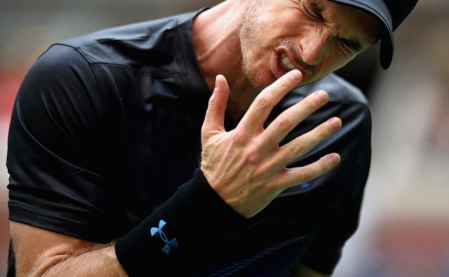 Andy Murray ni bil zadovoljen z nihanji v igri. Foto AFP