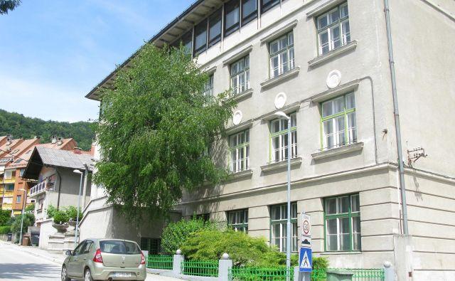 Takšna je bila šola na Dolu še lani... Foto Polona Malovrh